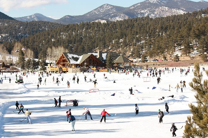Outdoor Skating Rinks in Colorado #TheHeidiGuide
