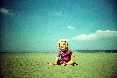 Summer Sun Safety - 6 great tips from the American Academy of PediatricsBaby Names, Summer Heat Baby, Babycenter Babynames, Baby Jones, Baby First Years, Baby Safe, Summer Sun, Baby Someday, Baby Nurseries