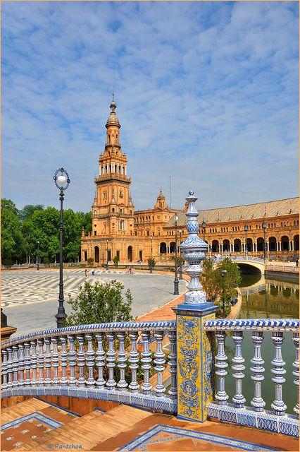 Sevilla, Spanje http://www.holidaycheck.nl/city-reisinformatie_Sevilla-oid_2416.html