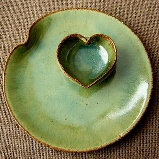 This would make a wonderful side plate for bread, oil and balsamic.