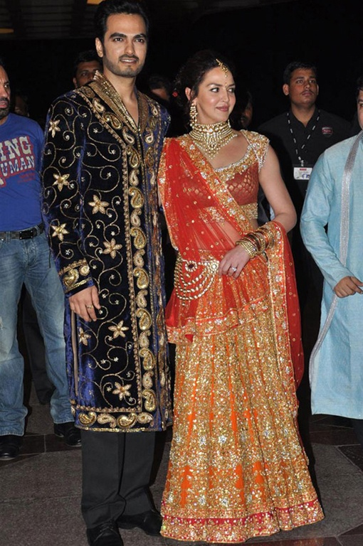 Celebrity Indian Sangeet of Esha Deol and Bharat Takhtani. Esha wears a Rocky S lehnga. More pictures here: http://indianweddingsite.com/blog/2012/06/celebrity-indian-sangeet-esha-deol-and-bharat-takhtani/