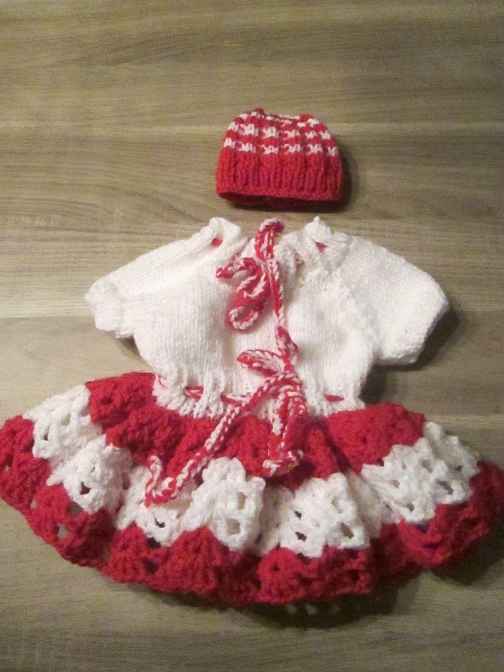 wit rood jurkje met bijpassend mutsje