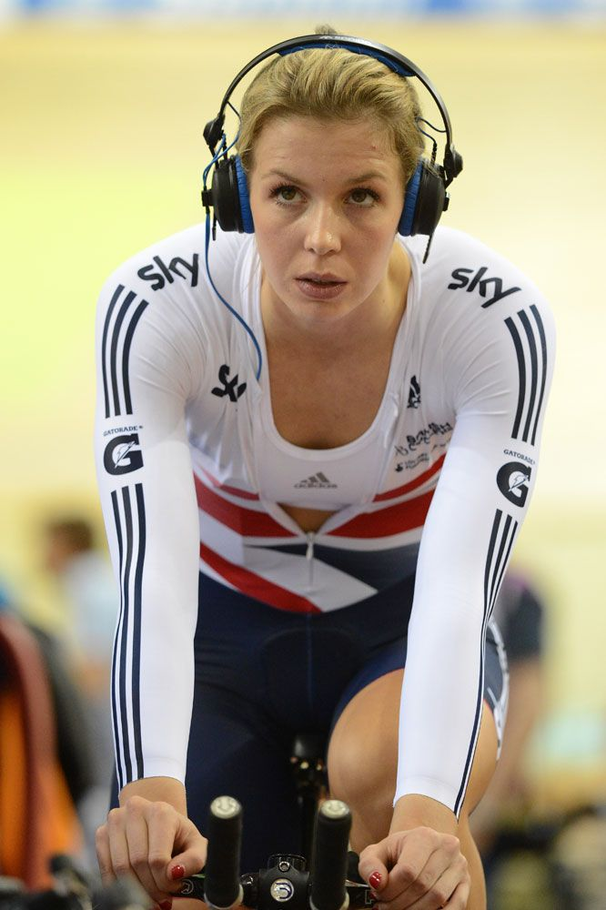 Becky James reaches sprint semi-finals after qualifying fastest | Latest News | Cycling Weekly