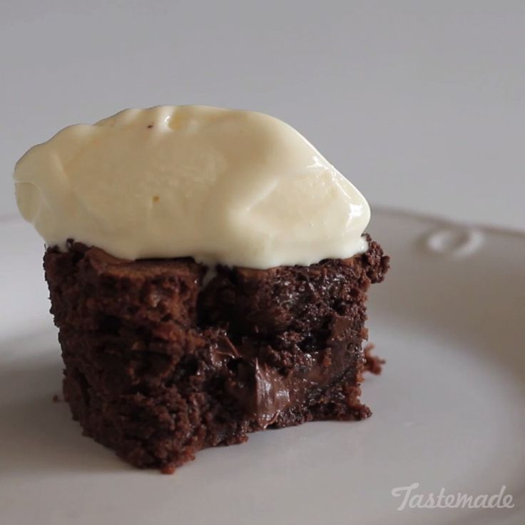 How to make Nutella Brownies Pinterest ;) | https://pinterest.com/cocinadosiempre/