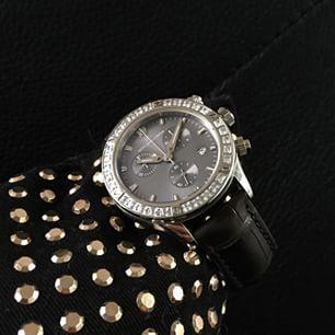 Sjöö Sandström Lady Extreme with princess cut diamonds. #sjöösandström #sjoosandstrom  #watch #watches #watcheswoman #ladies #diamonds