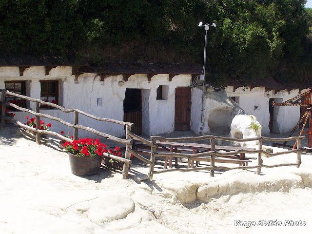 TÖRTÉNELMI KALEIDOSZKÓP...: Az Egerszalóki barlanglakások / Folytatás a posztban