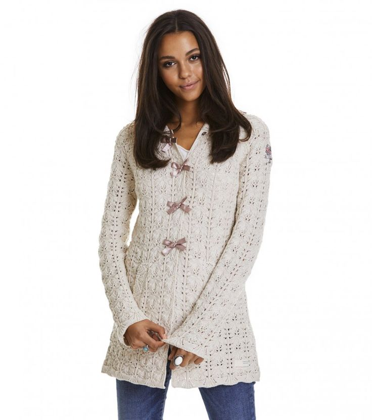 Osta Odd Molly -vaatteita Odd Mollyn virallisesta verkkokaupasta. Suurin valikoima Odd Molly -neuletakkeja ja mekkoja. Tutustu uusiin mallistoihimme!