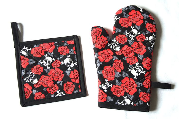 Skulls & Roses Red Kitchen Set Oven Mitt Pot Holder Towel by Pornoromantic