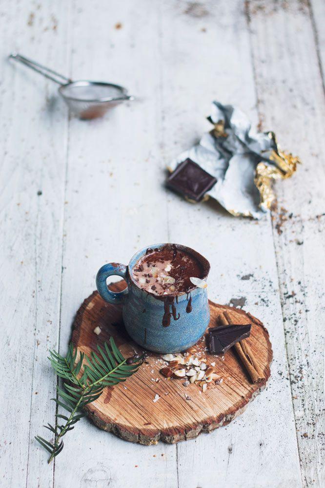 Zelfgemaakte Appelmoes Nederlandse Keuken : Hot chocolate gemaakt met amandelmelk, kaneel, honing en cacaopoeder