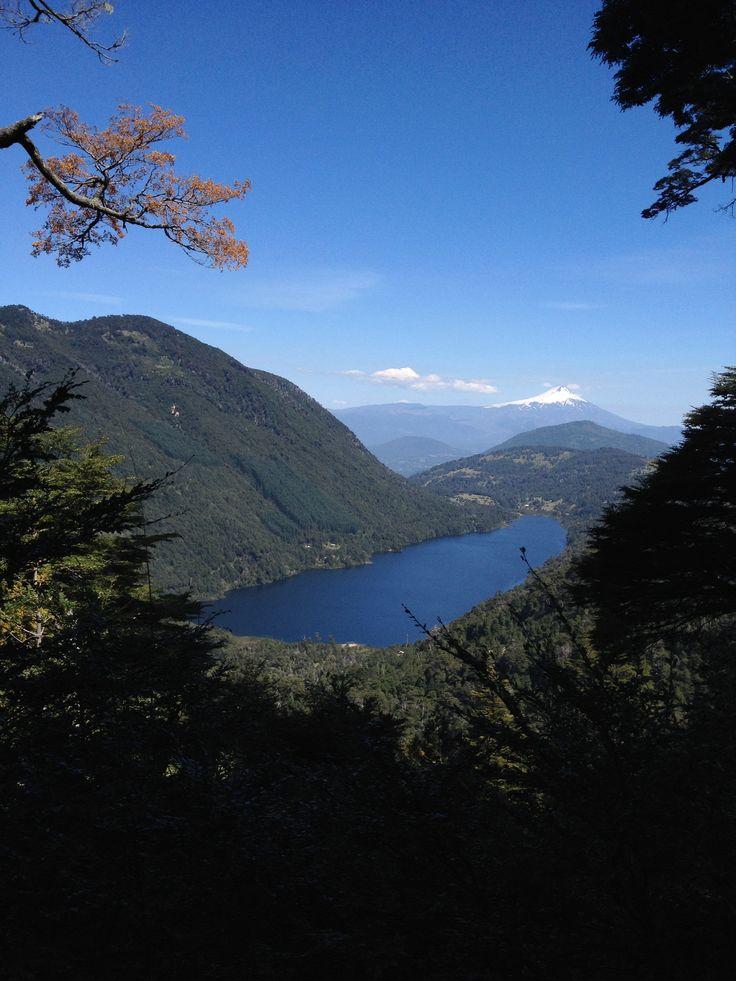 Lago Tinquilco, Parque Nacional Huerquehue, Chile.
