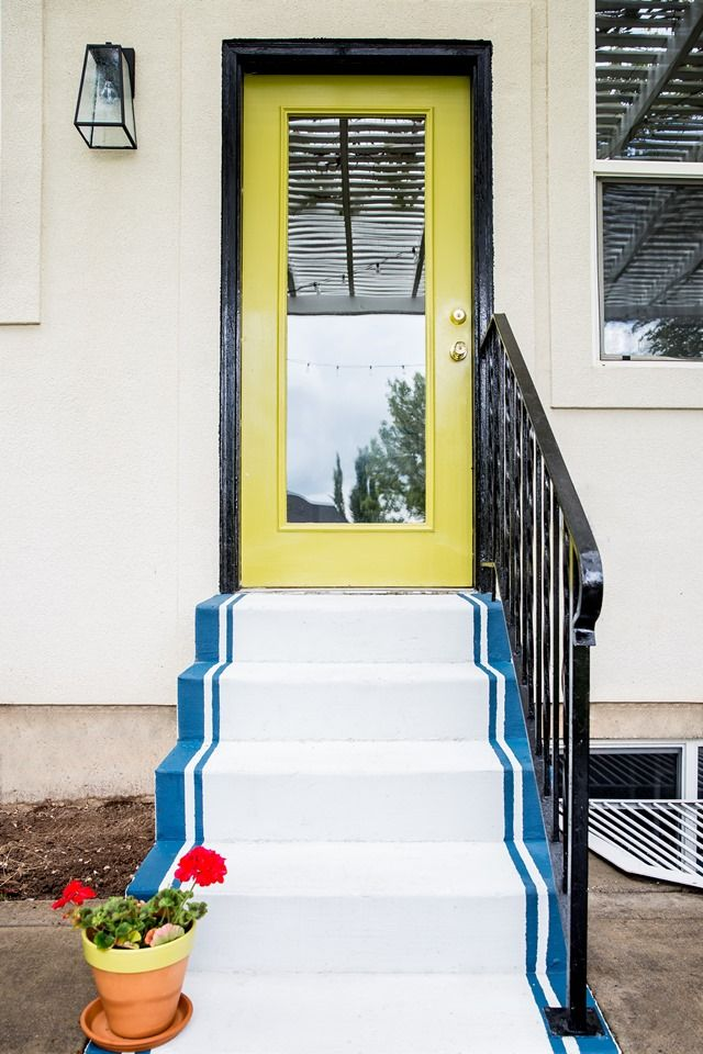 Lowe's Spring Makeover Patio Reveal (chartreuse green door, painted concrete steps, lantern, black trim, outdoor decorating)