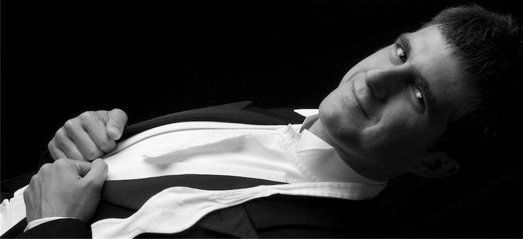 Πάνος Καράν: Ο πιανίστας που ταξιδεύει με την μουσική του σε απομακρυσμένες περιοχές. Panos Karan: A pianist touring with his music around the world's remote countries - See more at http://www.ellines.com/en/erga-ellinon/5893-o-pianistas-pou-taxideuei-me-tin-mousiki-tou-se-apomakrusmenes-perioches/ http://www.ellines.com/erga-ellinon/5893-o-pianistas-pou-taxideuei-me-tin-mousiki-tou-se-apomakrusmenes-perioches/ Copyright © Ellines.com