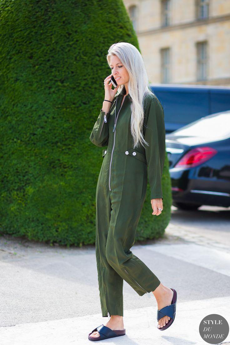 Sarah Harris Street Style Street Fashion Streetsnaps by STYLEDUMONDE Street Style Fashion Photography