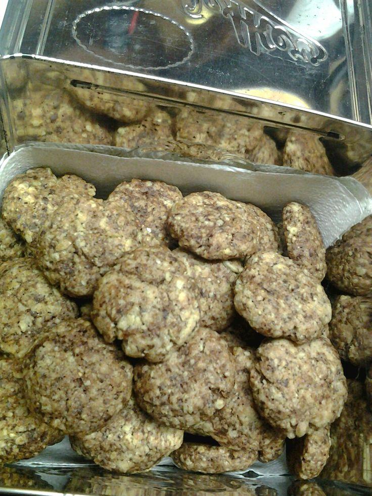 Kekse satt bei Anemone: Haferflocken-Kokos-Cookies. Lecker! http://durchswildeveganistan.wordpress.com/2013/09/20/19-9-2013-gestern-war-wieder-ein-veganer-mittwoch/