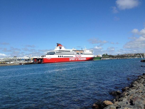 Devonport, Australia — by Londres. Devonport is where the Spirit of Tasmania…