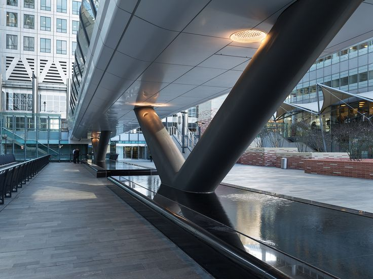 Canary Whard Bridge Cladding | UK by Adamson Associates - Mauricio Jasso ALUCOBROND® White