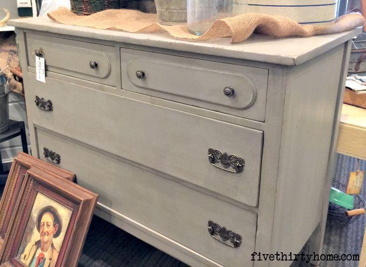 Dresser In Miss Mustard Seeds Schloss