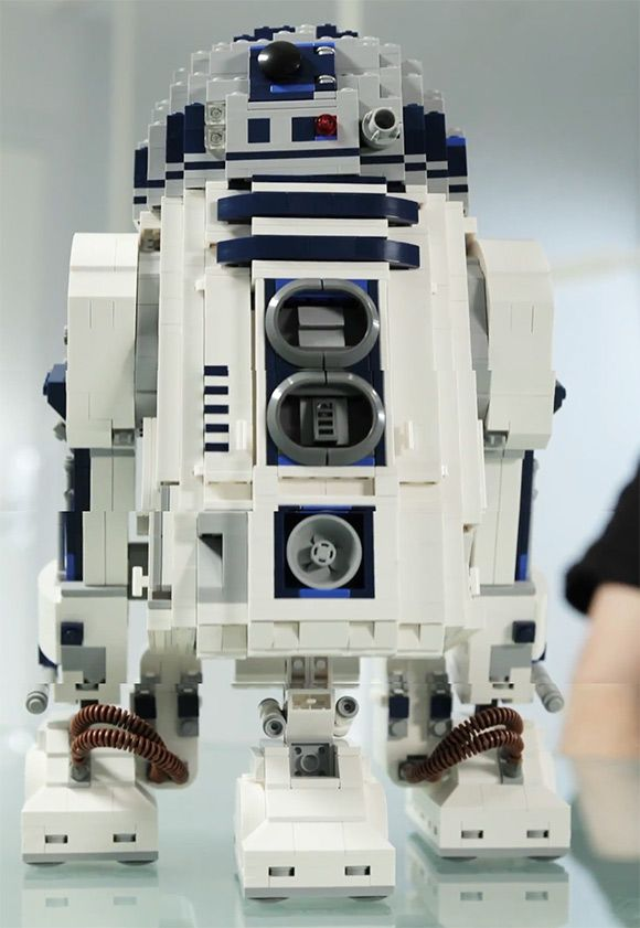 Official 2,100-Piece R2-D2 LEGO Set Coming Soon