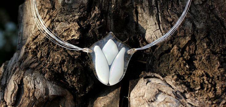 Wedding set, White tulips glass jewelry , white iridescent glass pendant, and long hanging earrings by CzinamonArt on Etsy