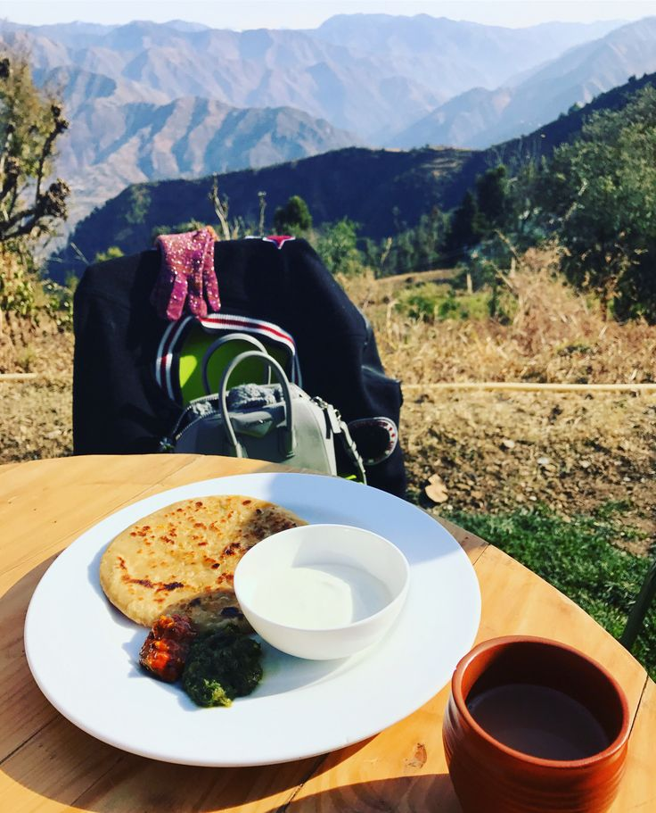 Garam gobi parathas, masala chai & that view! A brilliant start to the day at JW Marriott Mussoorie... #Travel #India