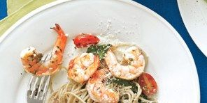 Shrimp Scampi With Pasta, Spinach, Cherry Tomatoes and Olives