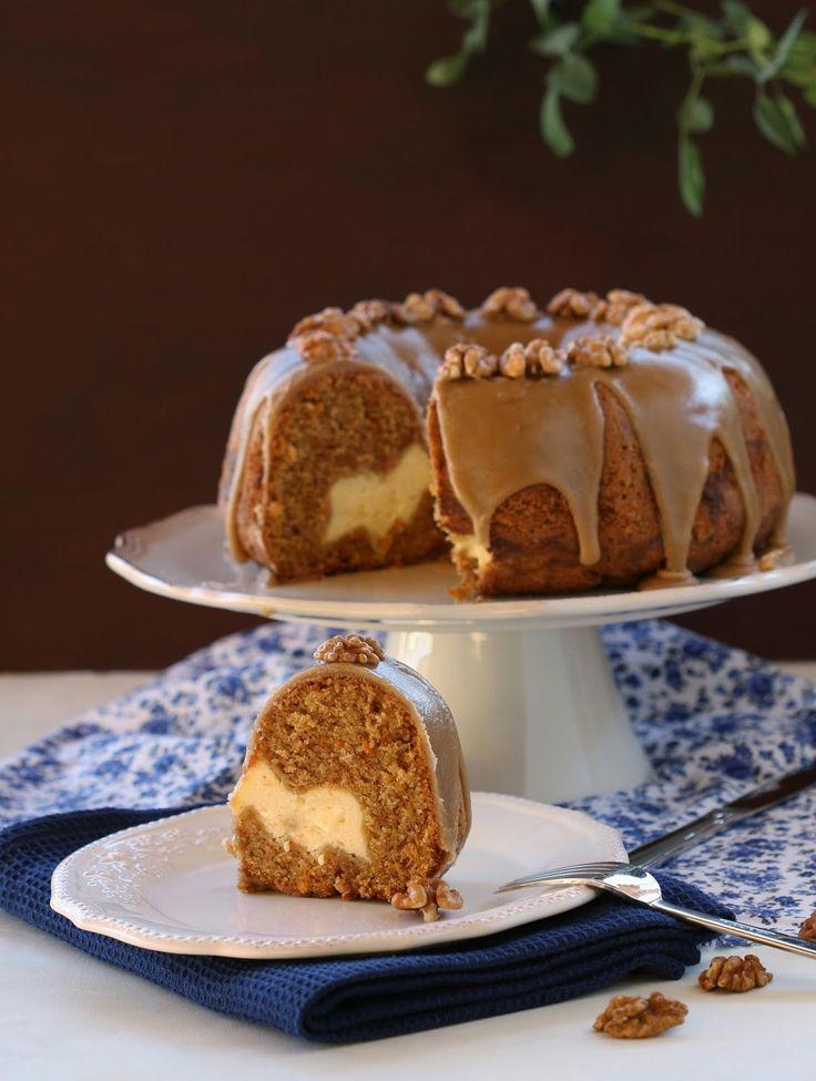 Malzemeler:    200 gr. kahverengi şeker  220 ml. sıvı yağı  100 gr. şeker  3 large yumurta oda sıcaklığında  1 tatlı kaşığı vanilya...