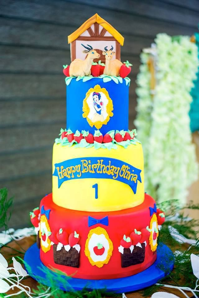 Olivia's Snow White and the Enchanted Forest Theme Party – Cake