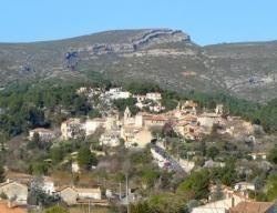 Marcel Pagnol est né à Aubagne, le 28 février1895. Alors que la ville célèbre cette année les 120 ans de sa naissance, nous vous proposons de visiter la Provence sur les traces de l'écrivain, dans les lieux qu'il chérissait et qui ont inspiré nombre de ses oeuvres littéraires et de ses films. par Audrey
