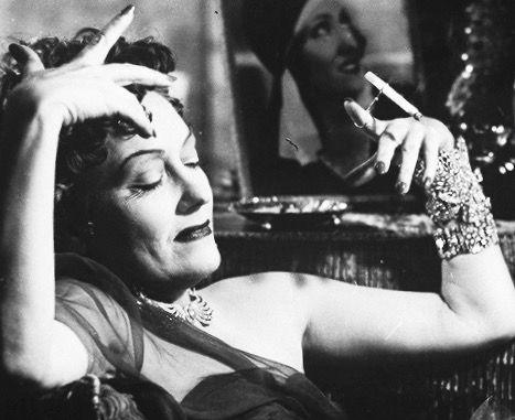 Norma Desmond: theatrical mannerisms, grandiose delusions. - Roger Ebert #SunsetBlvd