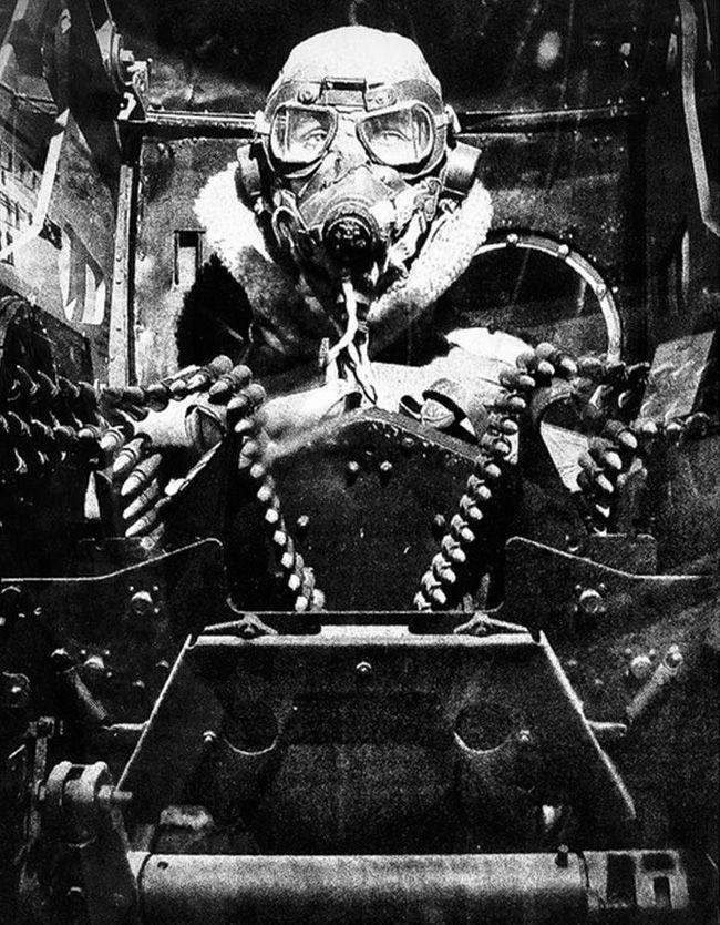Вторая Мировая. Стрелок британского бомбардировщика