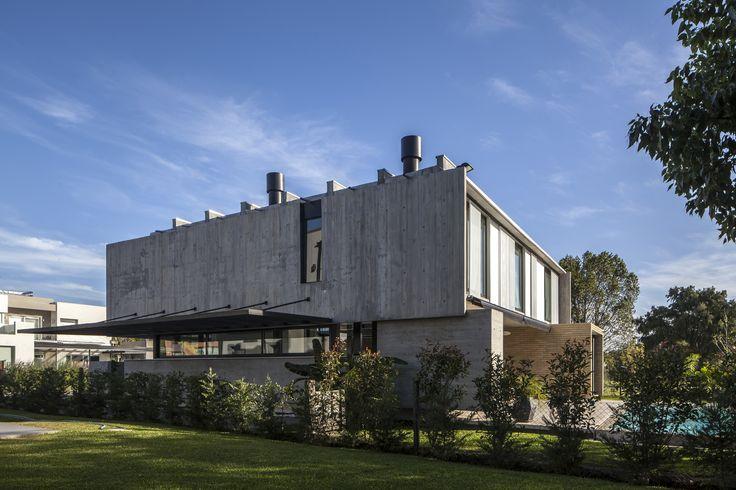 Gallery of Adrogue Chico I House / Jorgelina Tortorici - 13