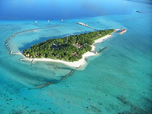 Summer Island Village   Distance from Airport: 35km   Number of rooms: 108