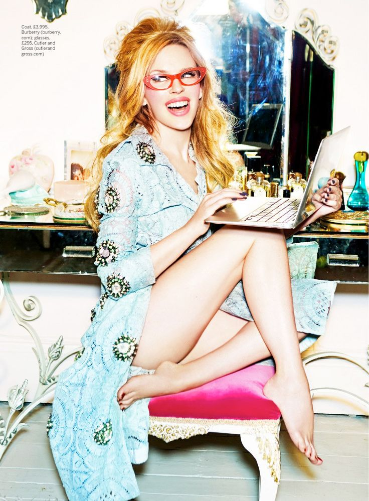 kylie minogue photo shoot2 Kylie Minogue Plays a (Not So) Domestic Goddess for Stylist Shoot