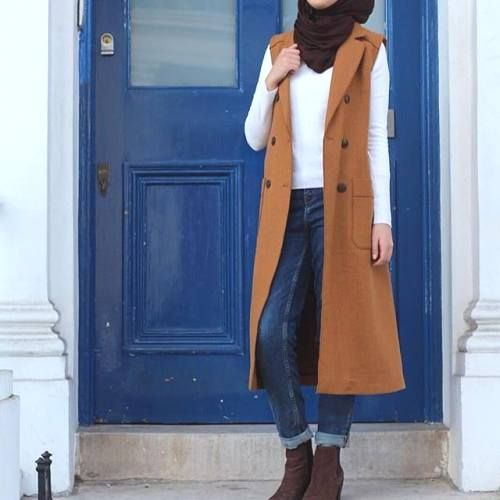 tan vest hijab outfit- Long and modest hijab outfits http://www.justtrendygirls.com/long-and-modest-hijab-outfits/