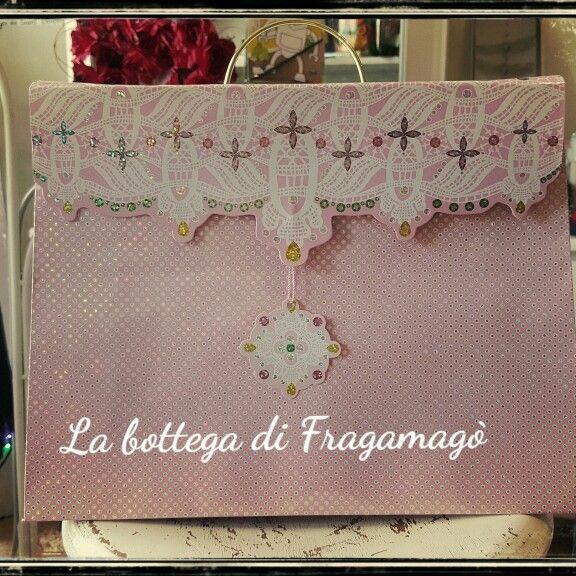 Nuovo concetto di borsa regalo.