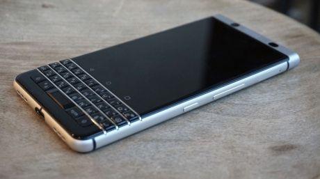 Awesome BlackBerry KeyOne 2017: BlackBerry lansează KeyOne, un nou smartphone cu tastatură fizică (VIDEO)...  POINT Check more at http://technoboard.info/2017/product/blackberry-keyone-2017-blackberry-lanseaza-keyone-un-nou-smartphone-cu-tastatura-fizica-video-point/