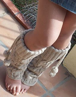 Miss Julia's Vintage Knit & Crochet Patterns: Free Patterns - 25 Luscious Leg Warmers to Knit & Crochet. She also has tutorials on learning the basics and reading patterns