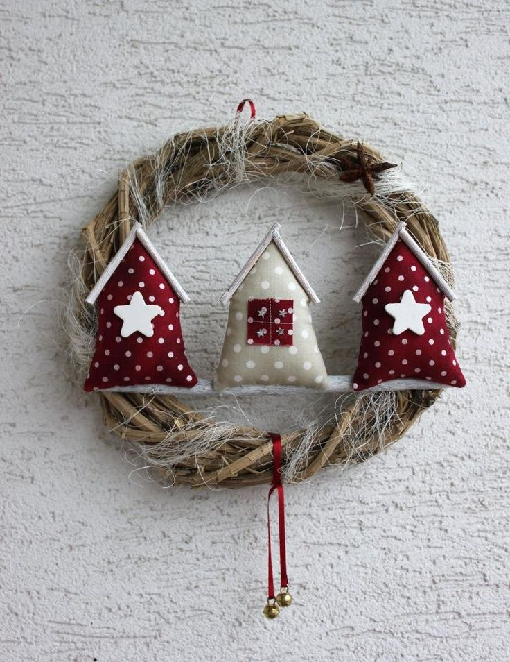 .cute wreath--you could make any size you want-small ones would look vintage.