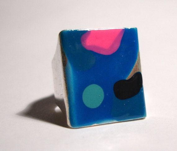 Check out this item in my Etsy shop https://www.etsy.com/listing/246589895/blue-red-dot-ambient-atmospheric-ring