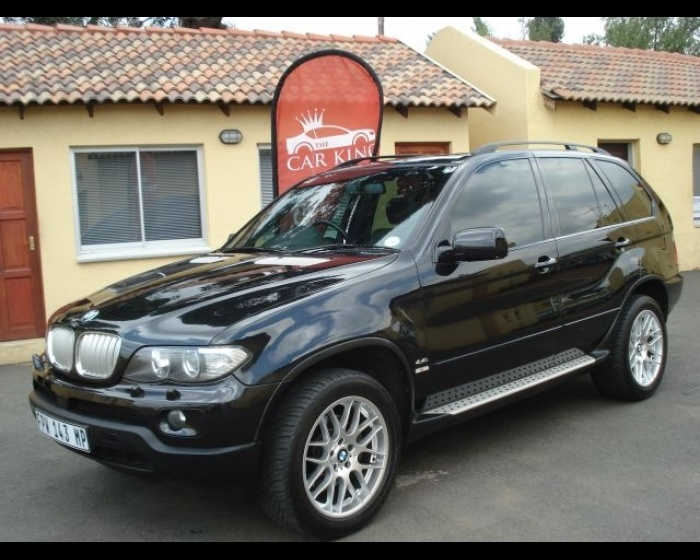 2005 BMW X5 4.4 . Remember VAN in the rain beside our hotel. Your knees git messed up. One of my best romantic times.