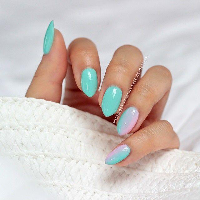 Moje wakacyjne miętuski czyli Semilac 022 Mint oraz gradient z 056 Pink Smile  @ilovesemilac #semilac #mint #pinksmile #gradient #ombre #nails #instanails #nailsdone #nailswag #nailsdid #nails2inspire #inspirations #manicure #mani #nailsofinstagram #polishgirl #summer #almondnails