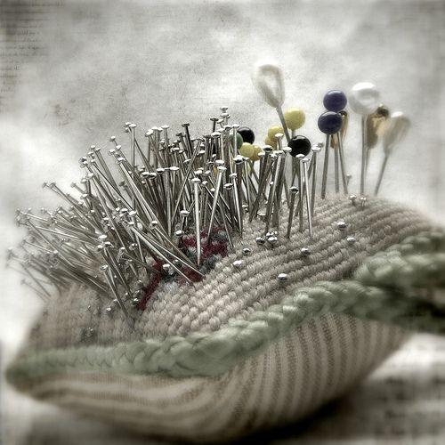 Love: Sewing Baskets, Pin Cushions, Vintage Pin, Pin Art, Pincushions Galor, Pincushions Projects, Sewing Rooms, Photo, Handmade Pincushions