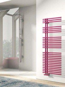 aszimmetrikus radiátor, fürdőszobai radiátor, színes törölközőszárítós radiátor