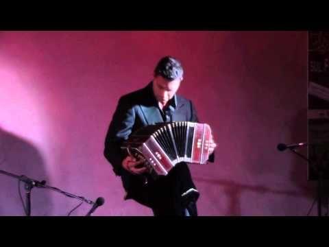 Adios nonino - bandoneon solo - Simone Marini - YouTube