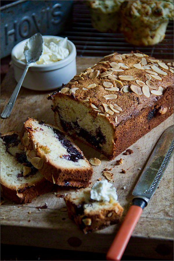 Blakcurrant & Almond Cake...<3