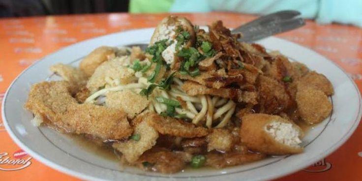 Mi Kopyok Pak Dhuwur, Kuliner Favorit Di Kota Semarang - http://darwinchai.com/traveling/mi-kopyok-pak-dhuwur-kuliner-favorit-di-kota-semarang/