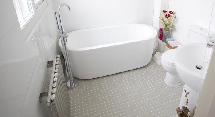 grey vinyl tiles in a bathroom