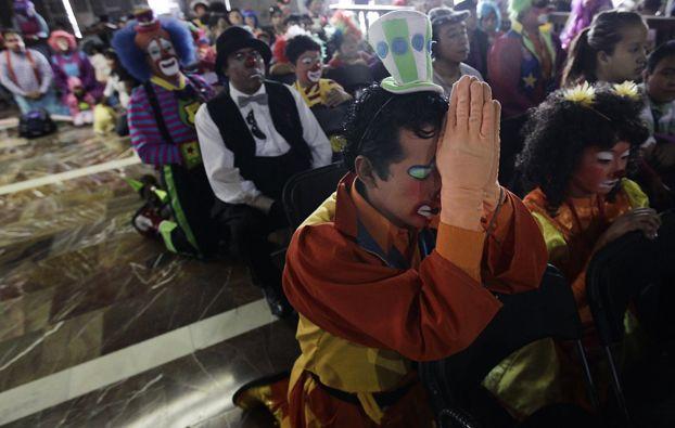 Il pellegrinaggio annuale dei clown alla basilica di Nostra Signora di Guadalupe, in Messico. (Henry Romero, Reuters/Contrasto)