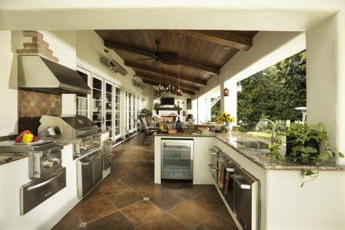 full functioning kitchen outside:-)