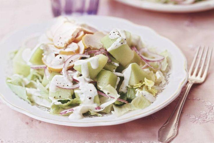Kijk wat een lekker recept ik heb gevonden op Allerhande! Salade met meloen en gerookte kip